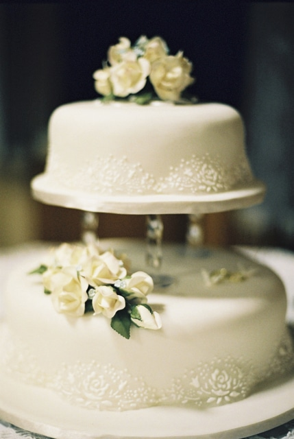 Low Cost Wedding Cakes